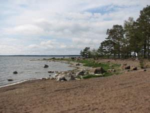 Källan uimarantaa kesällä
