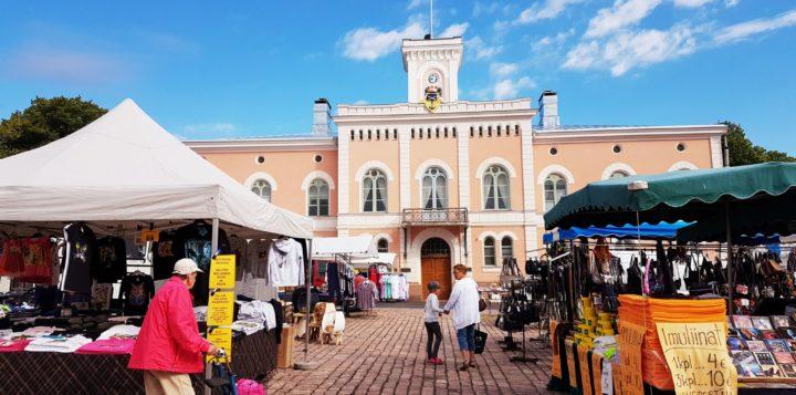 Markkinat Loviisan torilla Marknad på Lovisa torget